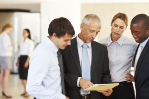 自社専用の検索エンジンを作って営業やマーケティングを飛躍的に効率化させる